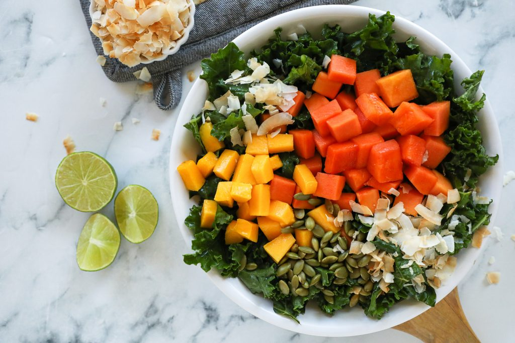 Love summer salads? Then you're to love this incredibly easy tropical kale salad! It takes no time at all to make and is so refreshing too!