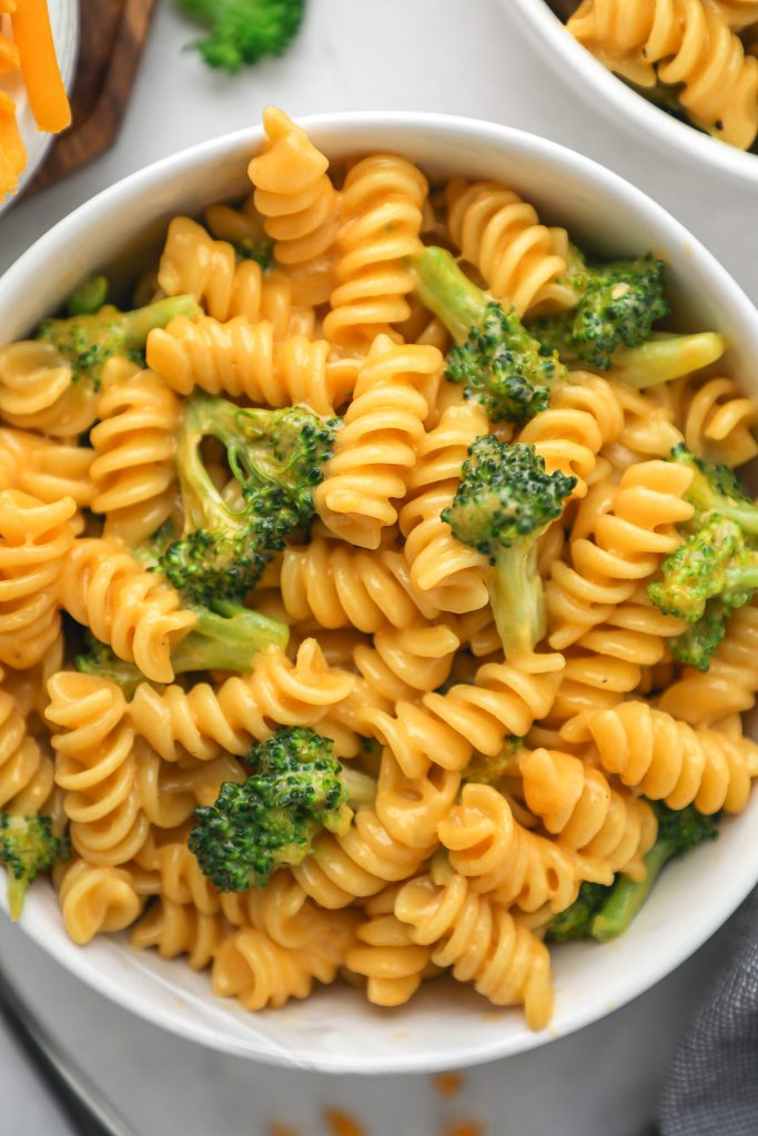 The cheesiest and most flavorful mac and cheese recipe you'll ever find! Plus it's loaded with tedner broccoli and better for you ingredients too!