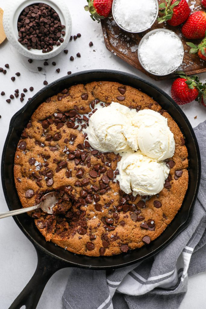 Perfectly crisp on top and ooey gooey in the center! This skillet dessert is the ultimate chocoalte lover's dream! And perfect to serve for a fun date night in!